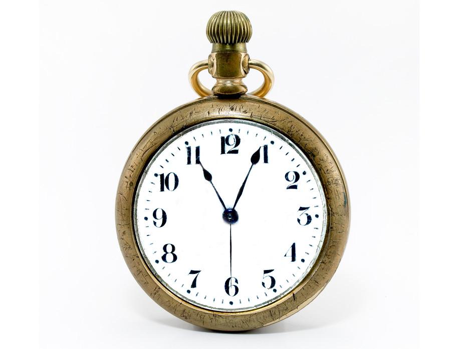 Карманные часы - прародители современных наручных часов. . В 1674 году часовщиком Тюре были сделаны часы