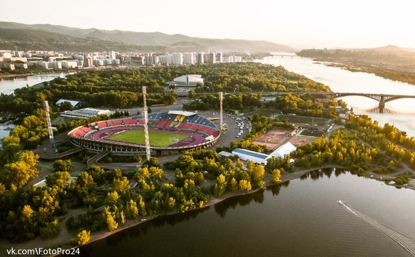 2016-06-23 08:55:39: Центральный стадион