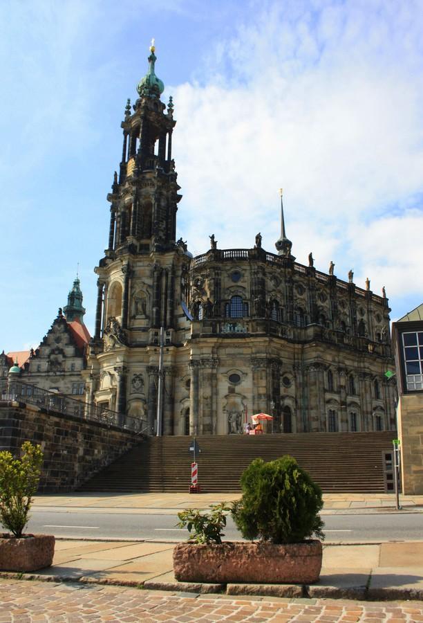 2017-10-09 22:01:10: Дрезден